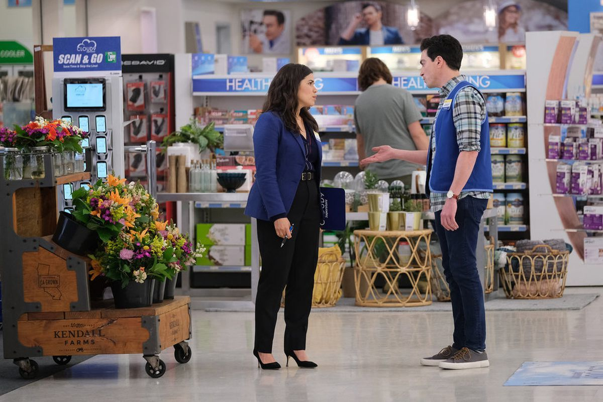 Superstore - S4E22